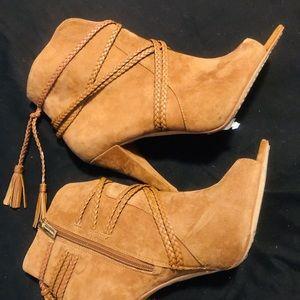 Vince Camuto Astan Heels
